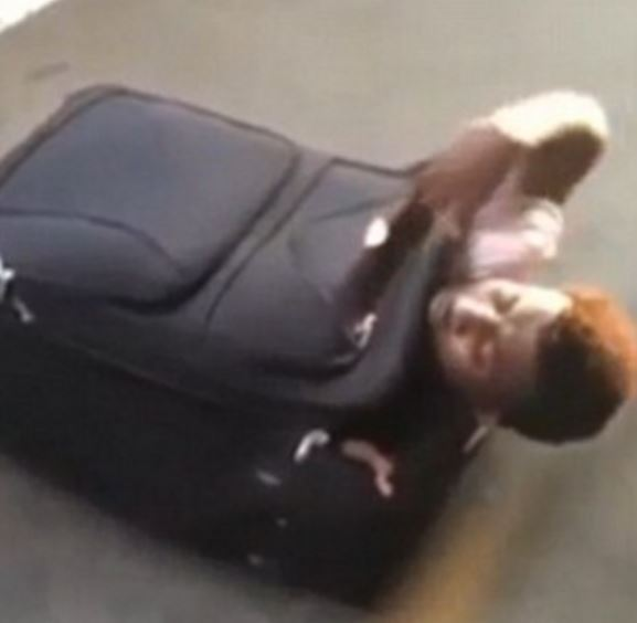 Eritrean migrant found inside a luggage in Switzerland